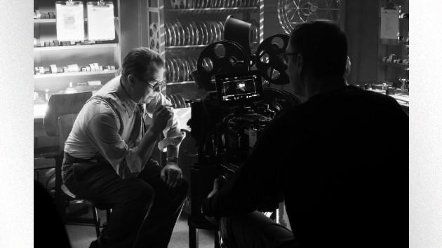 """Oldman on the set of """"Mank"""" - Nikolai Loveikis/NETFLIX"""